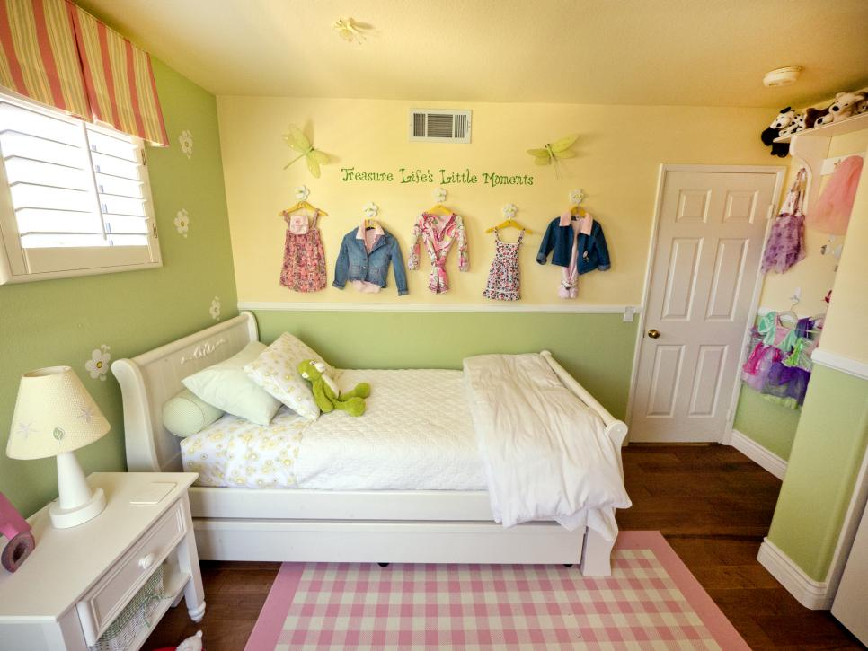 Unique girls bedroom ideas for small   rooms