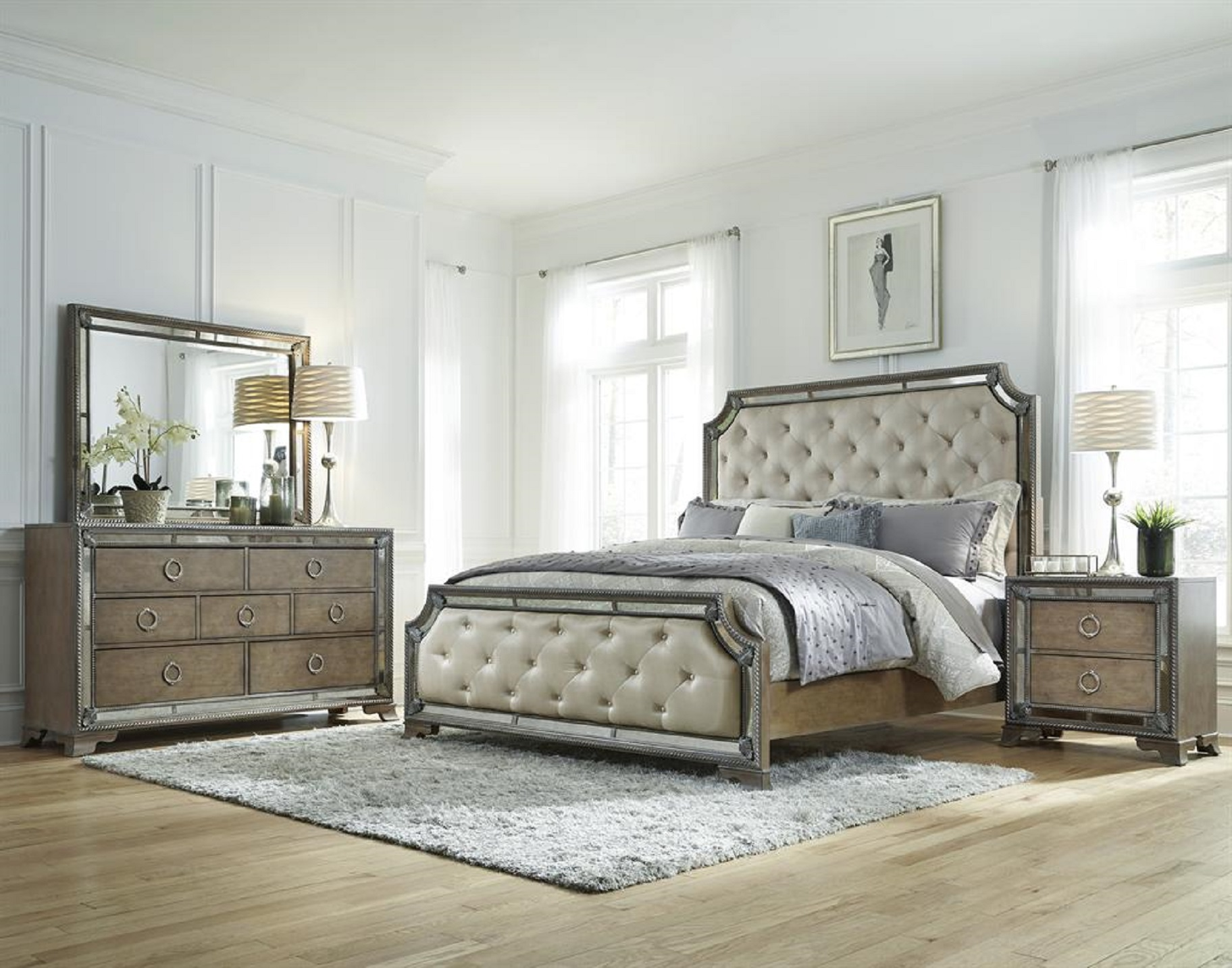 Image of: Mirrored Bedroom Furniture Cheap
