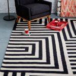 Modern black and white rugs decor ideas