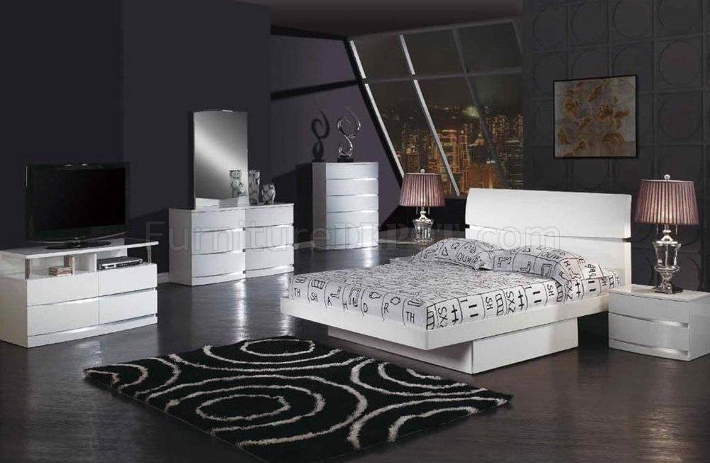 White Glossy Finish Stylish Modern Bed w/Optional Casegoods