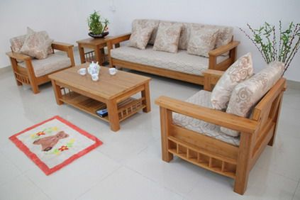 Wood Living Room Sofa and Table in Small Modern Living Room Interior
