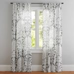 Modern lifestyle – sheer damask curtains