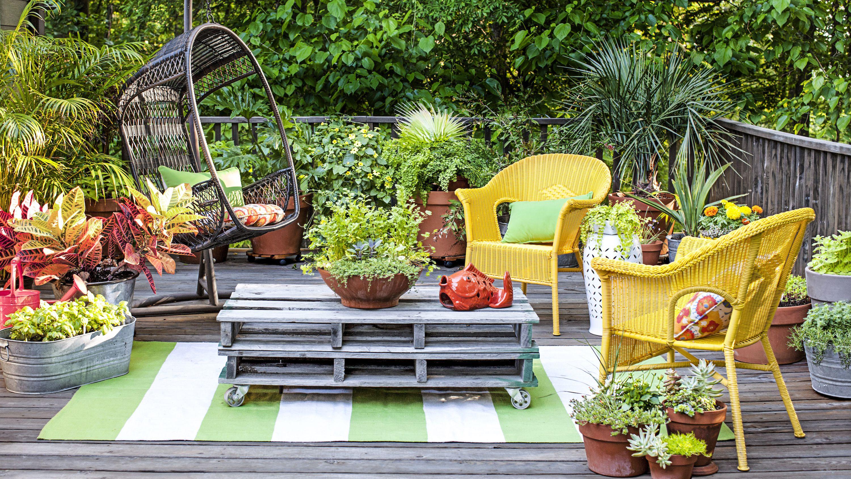 40+ Ways to Maximize a Small Garden