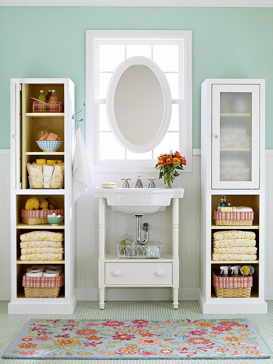 11 Small Apartment Ideas for Organizing a Drawer-less Bathroom -  SpaceOptimized