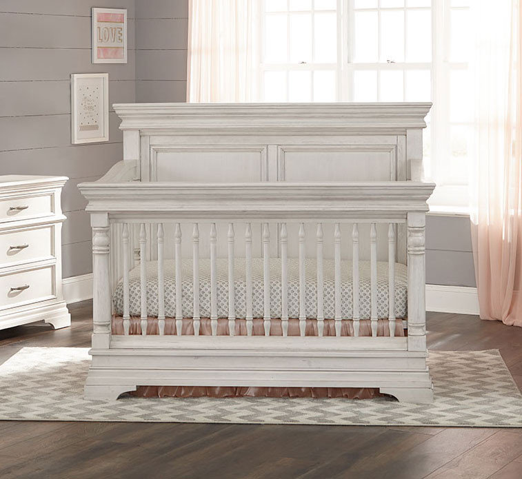 Crib in Rustic White Zoom. Actual