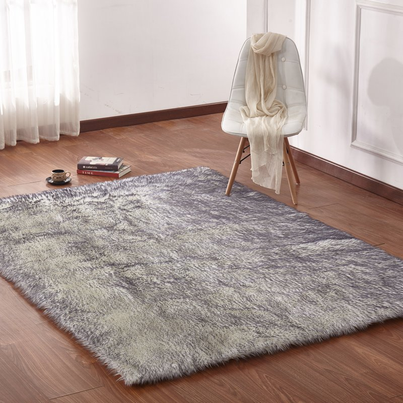 Curtis Faux Fur Shag White/Gray Area Rug