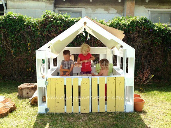 Amazing Pallet Kids Playhouse kids outdoor playhouse furniture