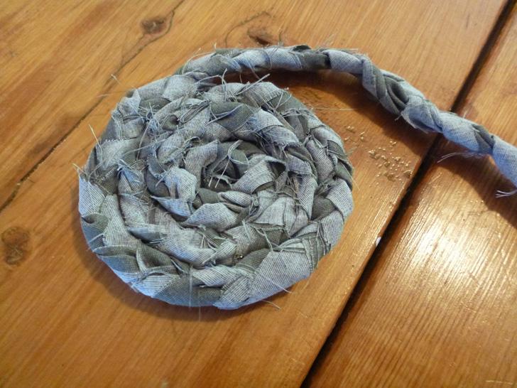 Amazing StartSlideshow. u003e diy braided rug