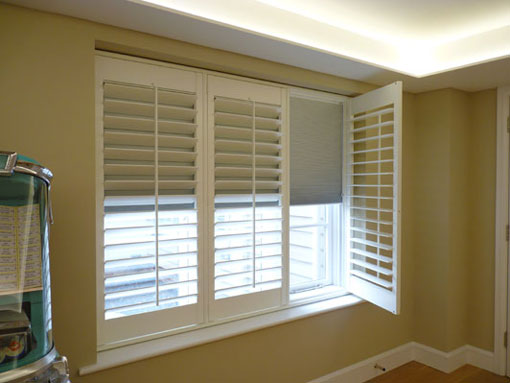Beautiful Benefits of Using Wooden Shutter Blinds for Window Coverings - Decorifusta wooden shutter blinds