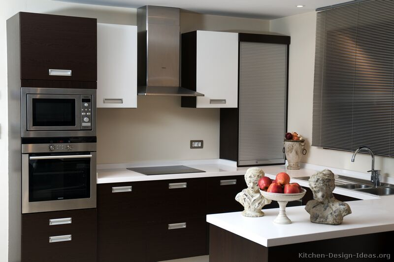 Beautiful Modern Black and White Kitchen black and white modern kitchen ideas