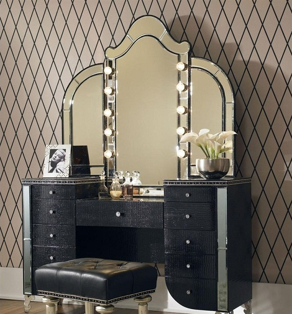 Best 16 Gorgeous Vintage Make Up Vanity Design Ideas makeup vanity furniture