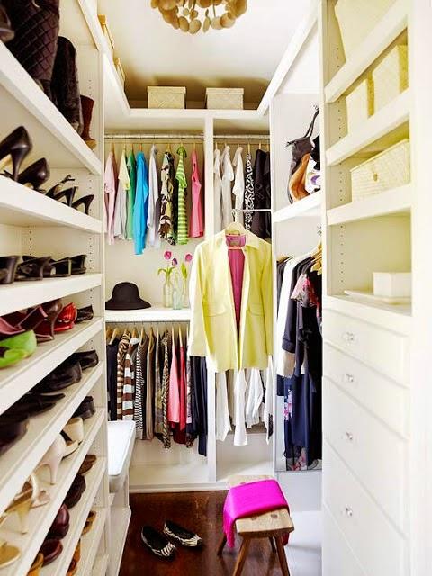 Best super-small-walk-in-closet-with-a-smart- small walk in closet ideas