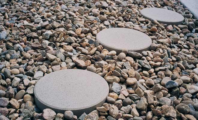 Chic 18u2033 Round Patio Stone circular patio stones