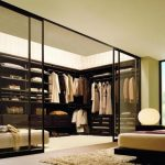 Renovate the furnishing by using some walkin closet