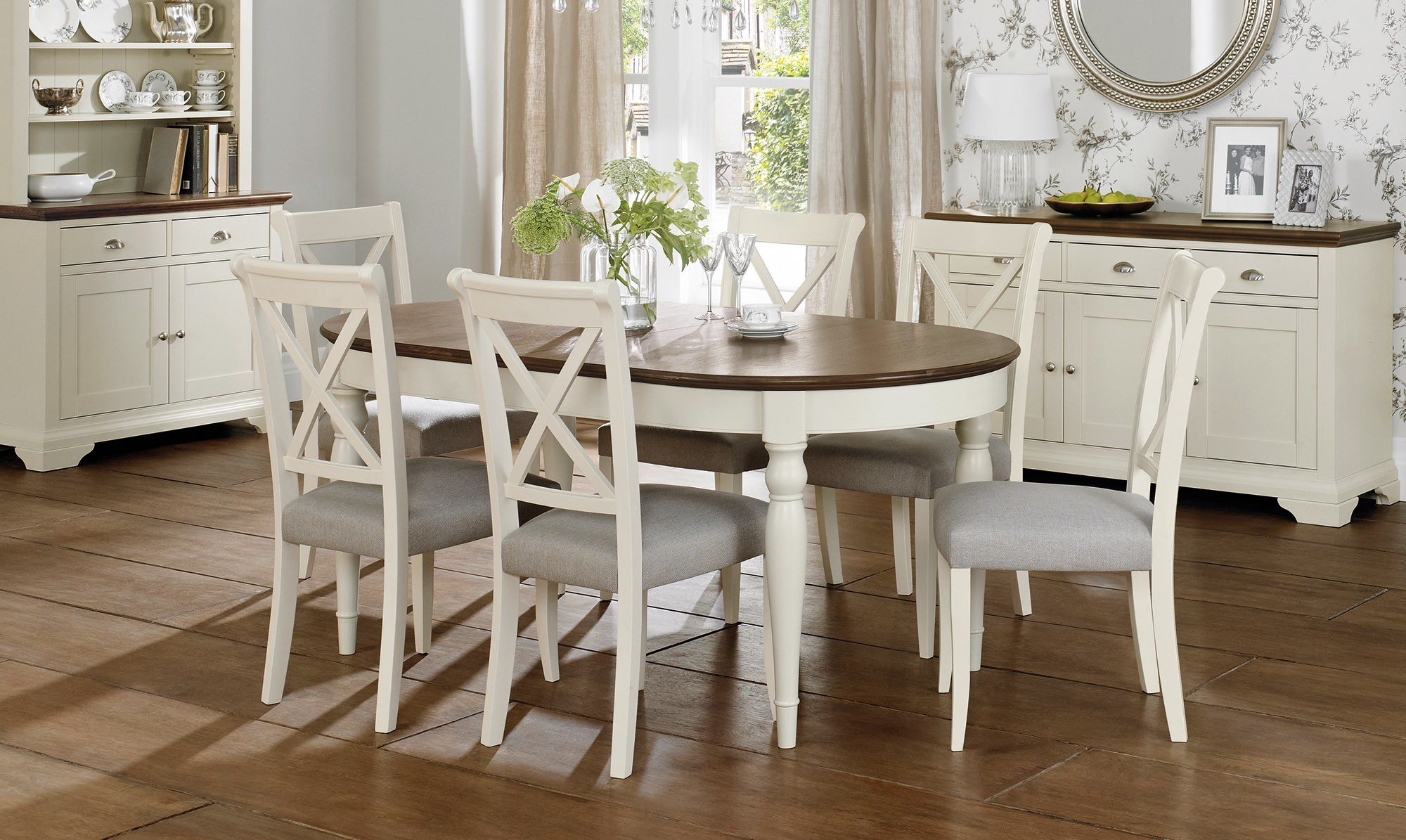 Extending Dining Table: Right to have it in Your Dining Room