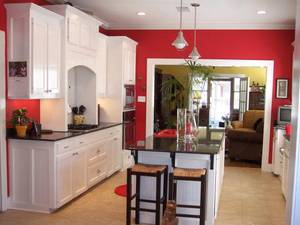 Cozy Classic Red Kitchen kitchen decor theme ideas