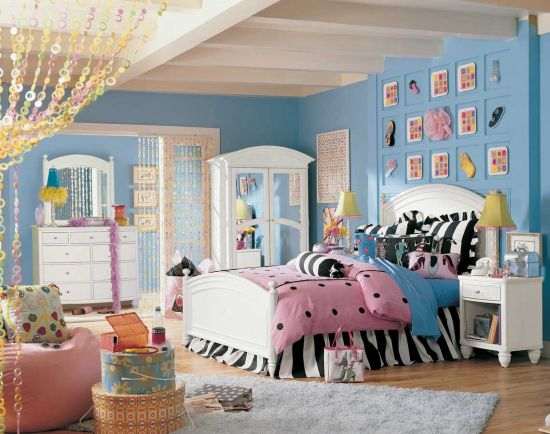 Cozy Cool and fun teen bedroom decor with blue walls cool teen bedrooms