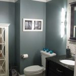 Choosing the right paint colors for bathrooms