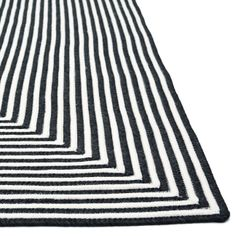 Elegant Loloi Rugs Indoor/Outdoor Black Hand Braided Rug @Zinc_Door loloi indoor outdoor rugs