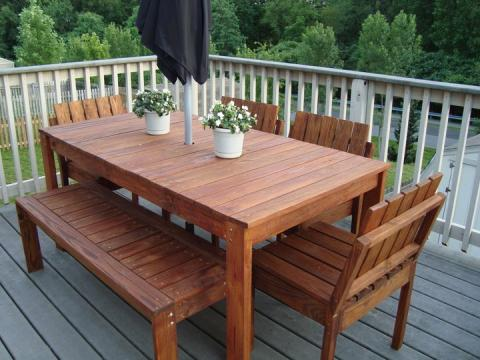 Elegant Special thanks to Kim for sharing her photos with us. wooden outdoor table