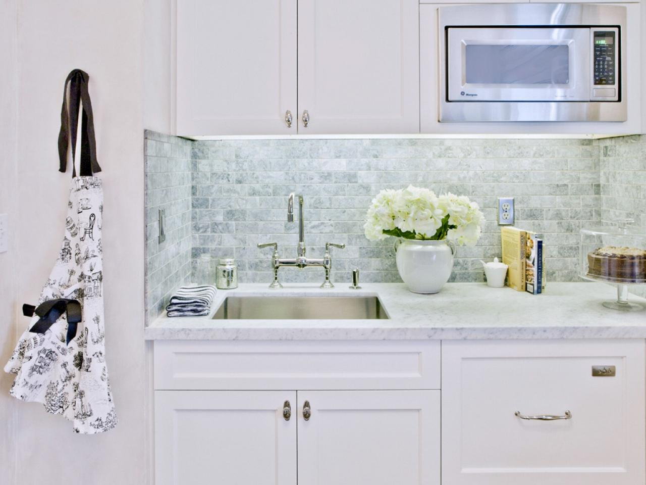 Elegant Subway Tile Backsplashes subway tile kitchen backsplash