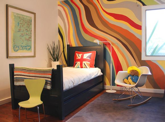 Elegant wavy painted stripe walls interior wall paint design ideas