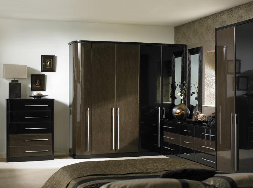 Create an exotic look to your bedroom with  high gloss bedroom furniture
