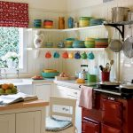 TO MAKE SMALL KITCHEN IDEAS LOOK ATTRACTIVE