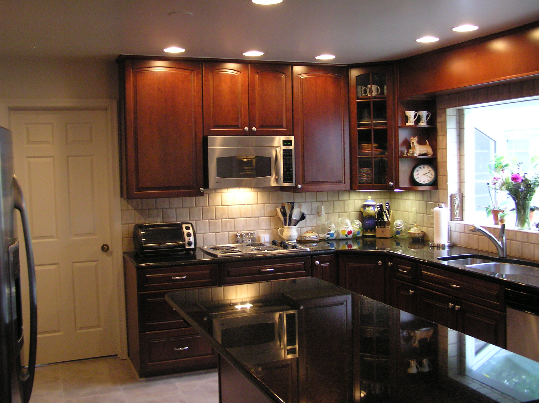 Master Small Kitchen Remodel IdeasSmall Kitchen Remodel Ideas NkyasL8W house remodeling ideas for small homes