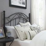 Decorate the bed with metal headboards
