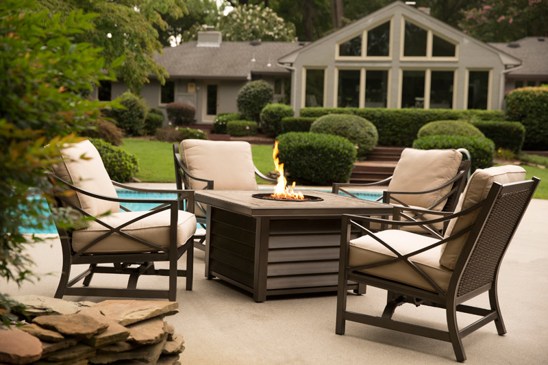 Enjoy your outdoor party with agio patio furniture