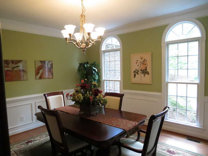 Stunning Green Paint colors for small dining room with hanging light fixtures paint colors small dining room