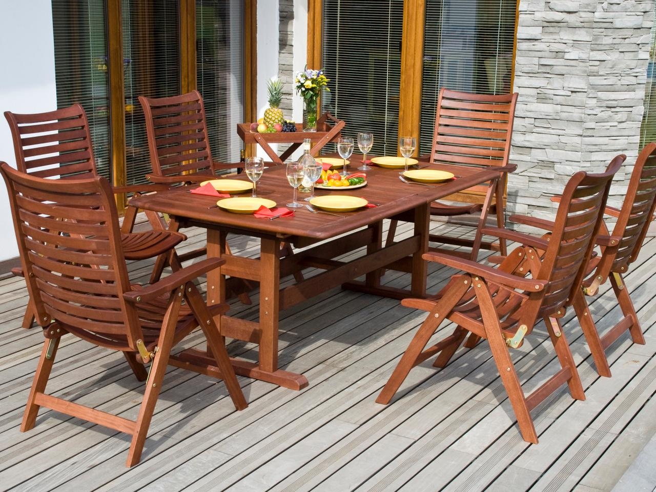 Stylish Tips for Refinishing Wooden Outdoor Furniture finishing teak outdoor furniture