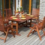 Choosing the right wood outdoor furniture for a field party