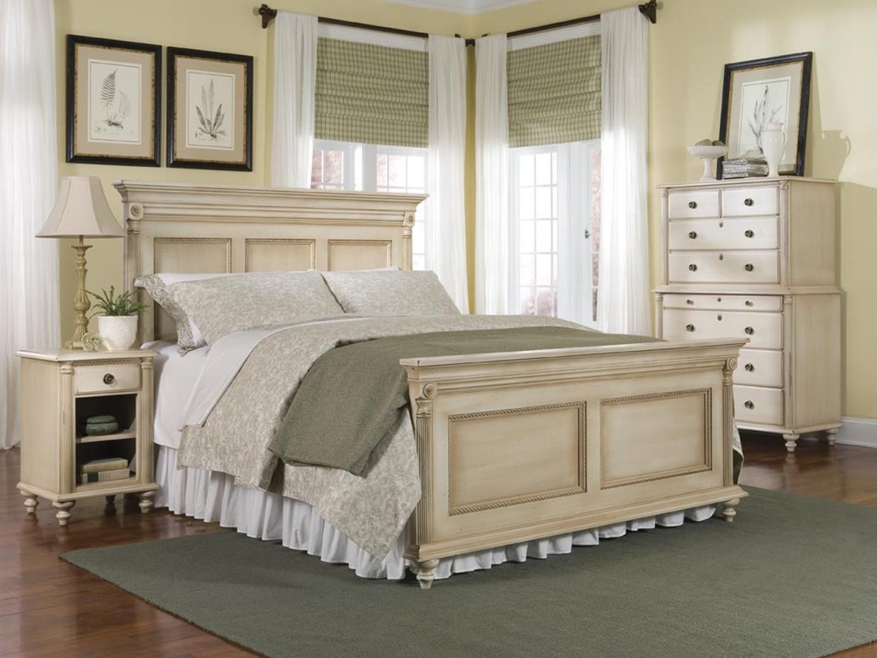 How to decorate a bedroom with cream bedroom furniture?