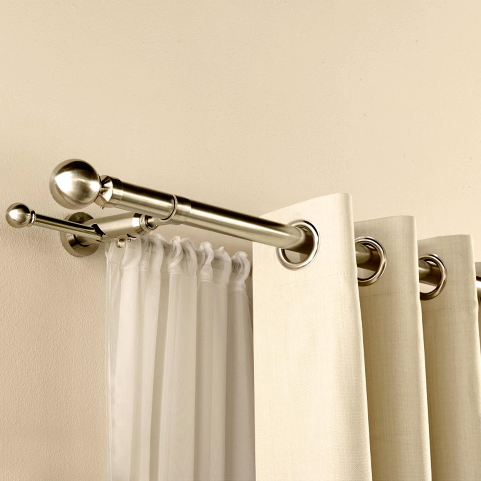 Tips on Selecting Striking Curtain Poles