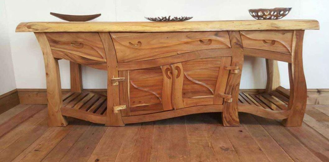 custom handmade furniture versus mass produced furniture ANEURBO