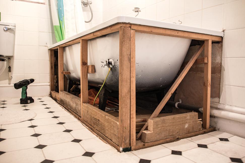 fitting bathroom panels woodenframe DLCFKHG