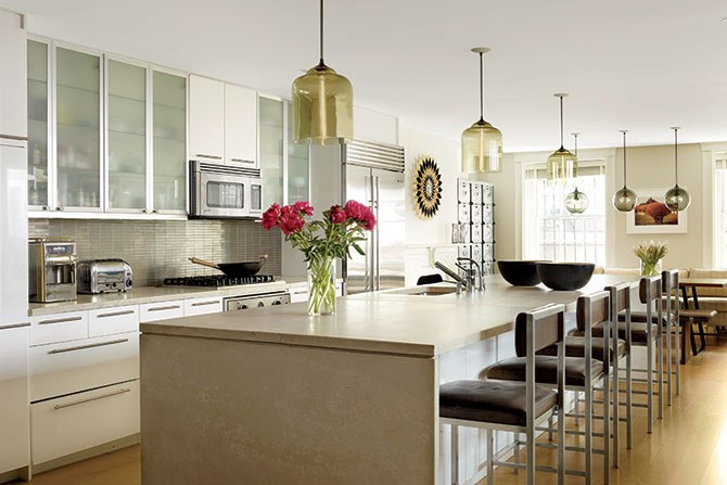 kitchen pendant lighting 31 kitchens with pretty pendant lighting photos | architectural digest UHYXBYD