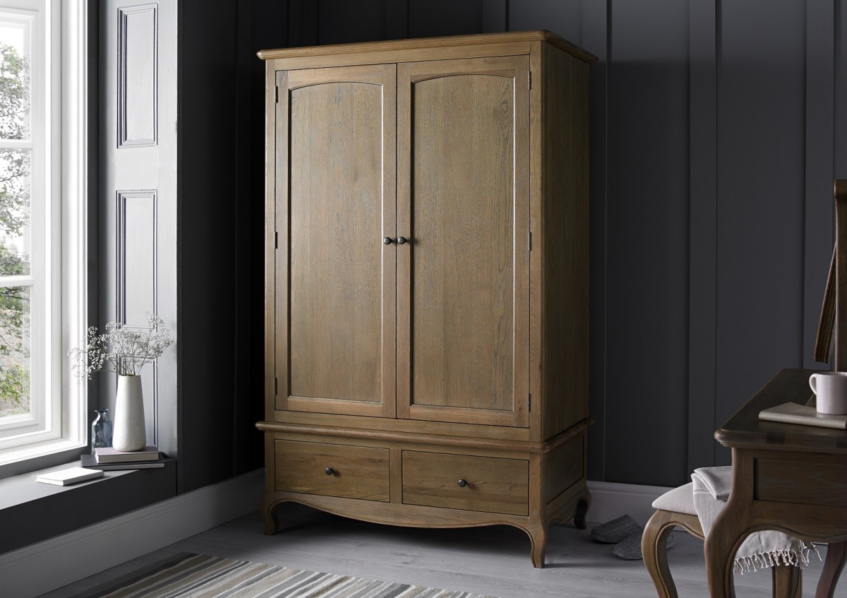 Oak Wardrobe Brings Home Vintage Aura and More Protective Storage