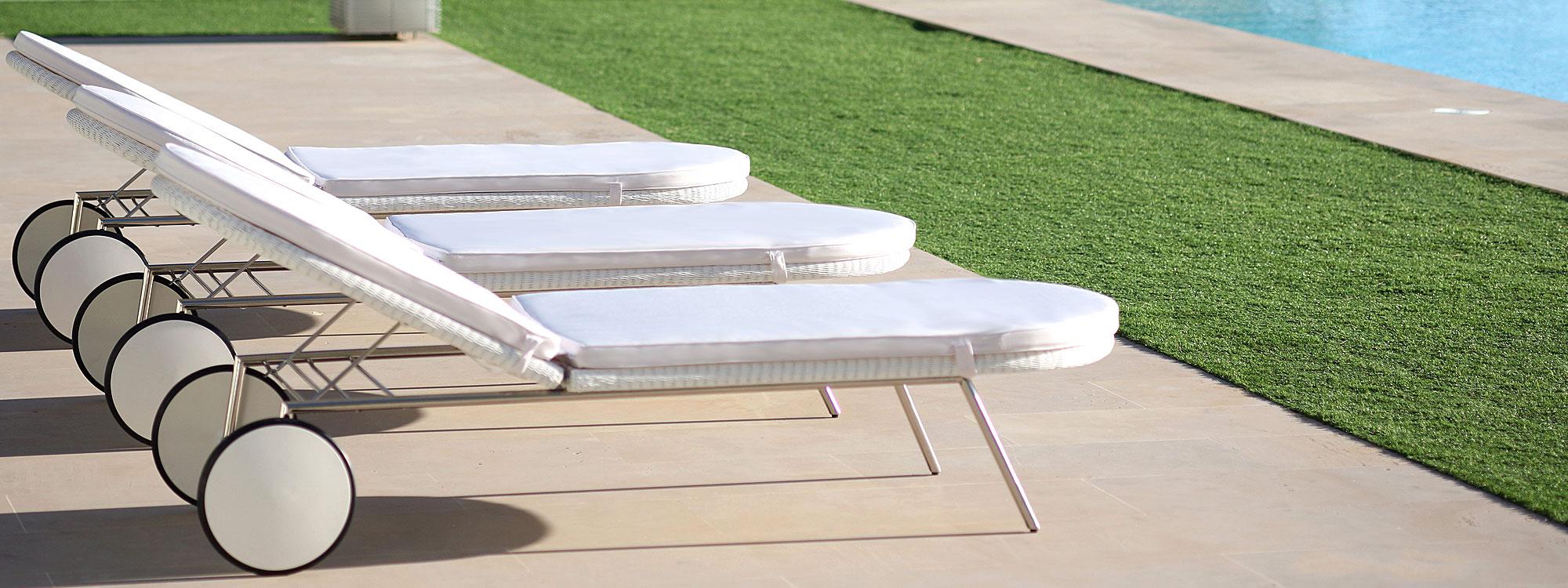 modern sun loungers fueradentro shell retro design sun lounger | chic modern sunbed designed RYTNFHG