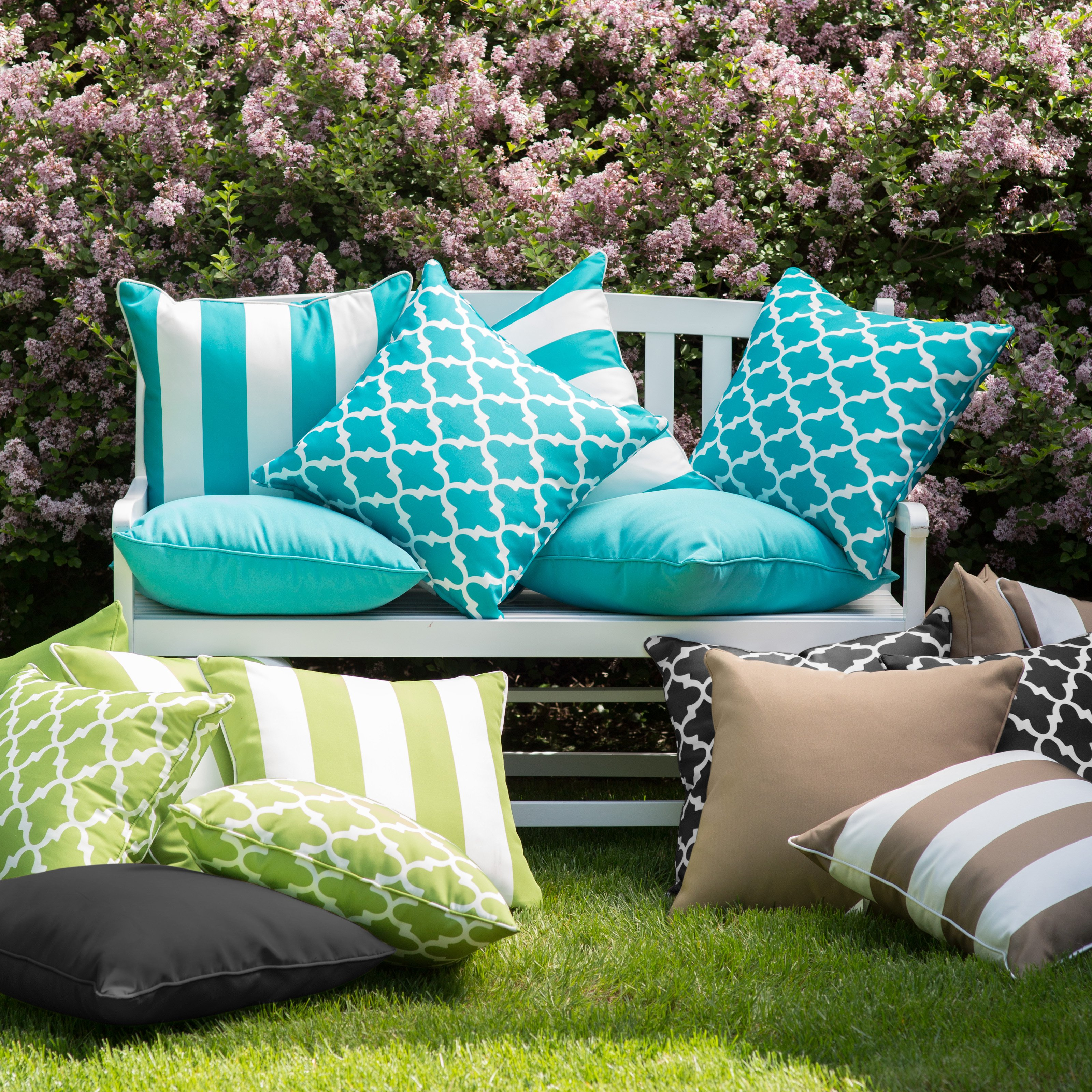 Outdoor Pillows for Elegant Decor and Added Comfort