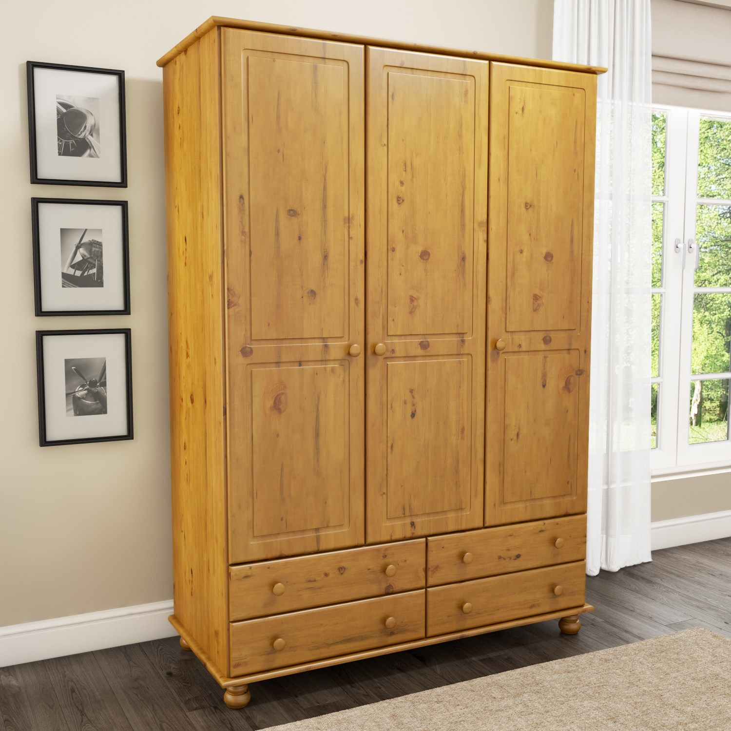 Pine Wardrobes – A choice of Rustic Style and Durability