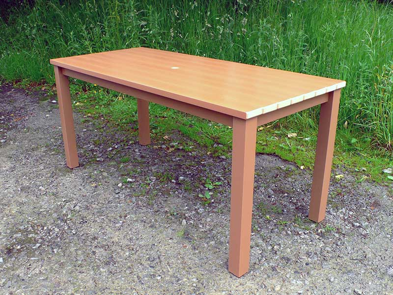 plastic garden table thames garden table | synthetic wood | recycled plastic UJJUTIS