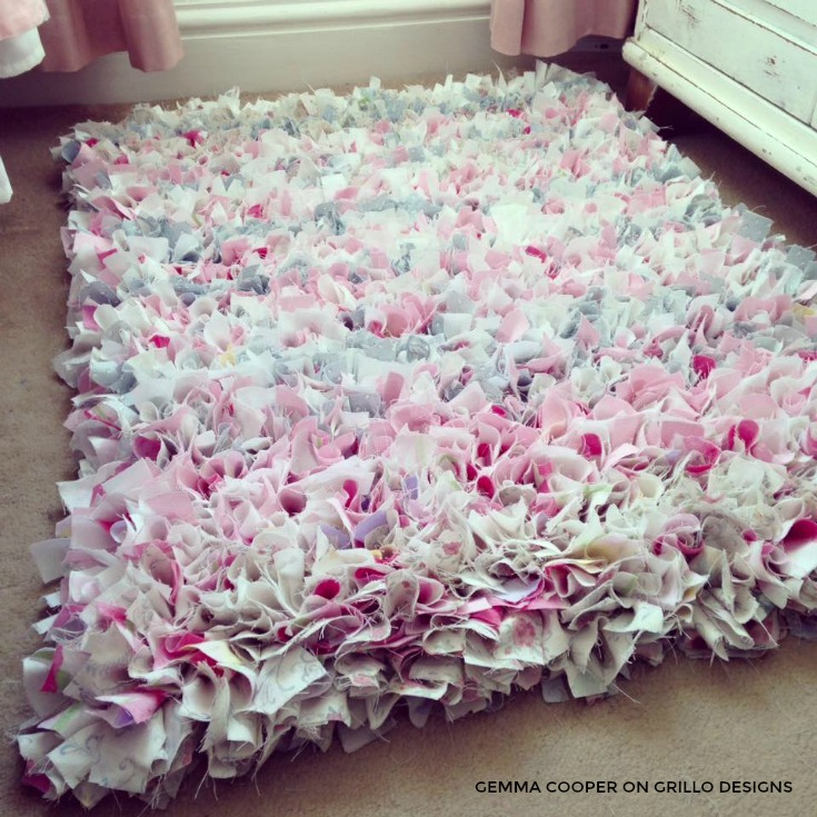 rag rug designs rag rug idea for a girls bedroom /grillo designs www.grillo-designs. JXHWFMO