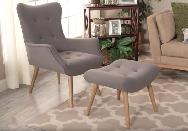 Features of a Good Reading Chair