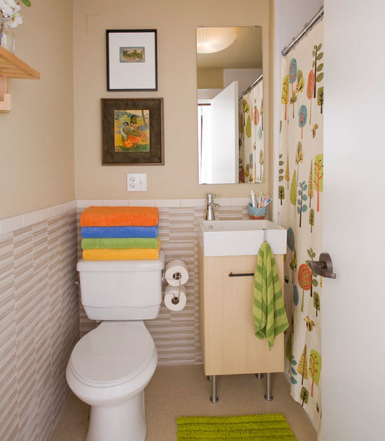 Small Bathroom Decorating Ideas shower curtain needs less space than a door | tutorial here UAQNUYV