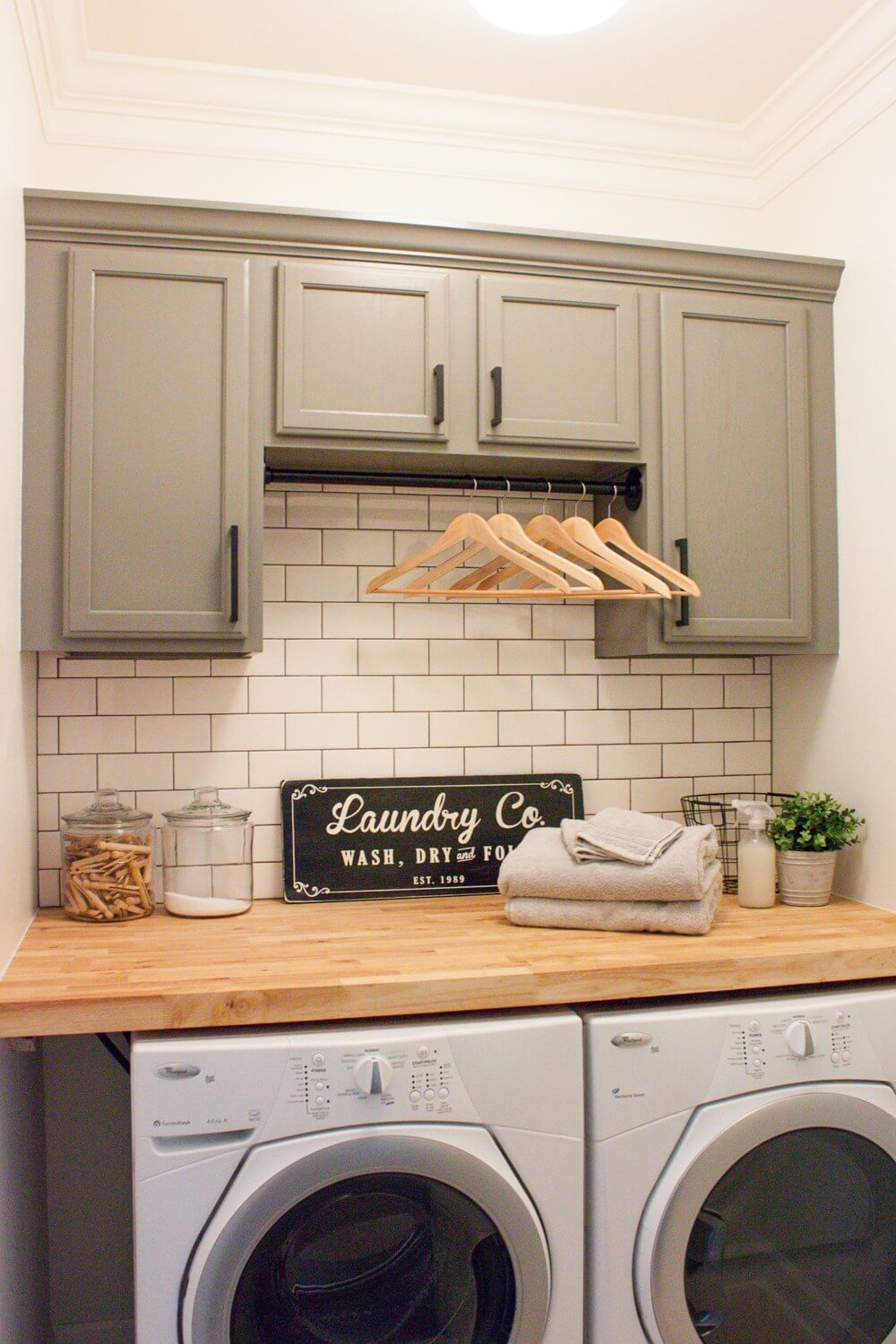 small laundry room ideas super simple laundry wall makeover XTUGFQL