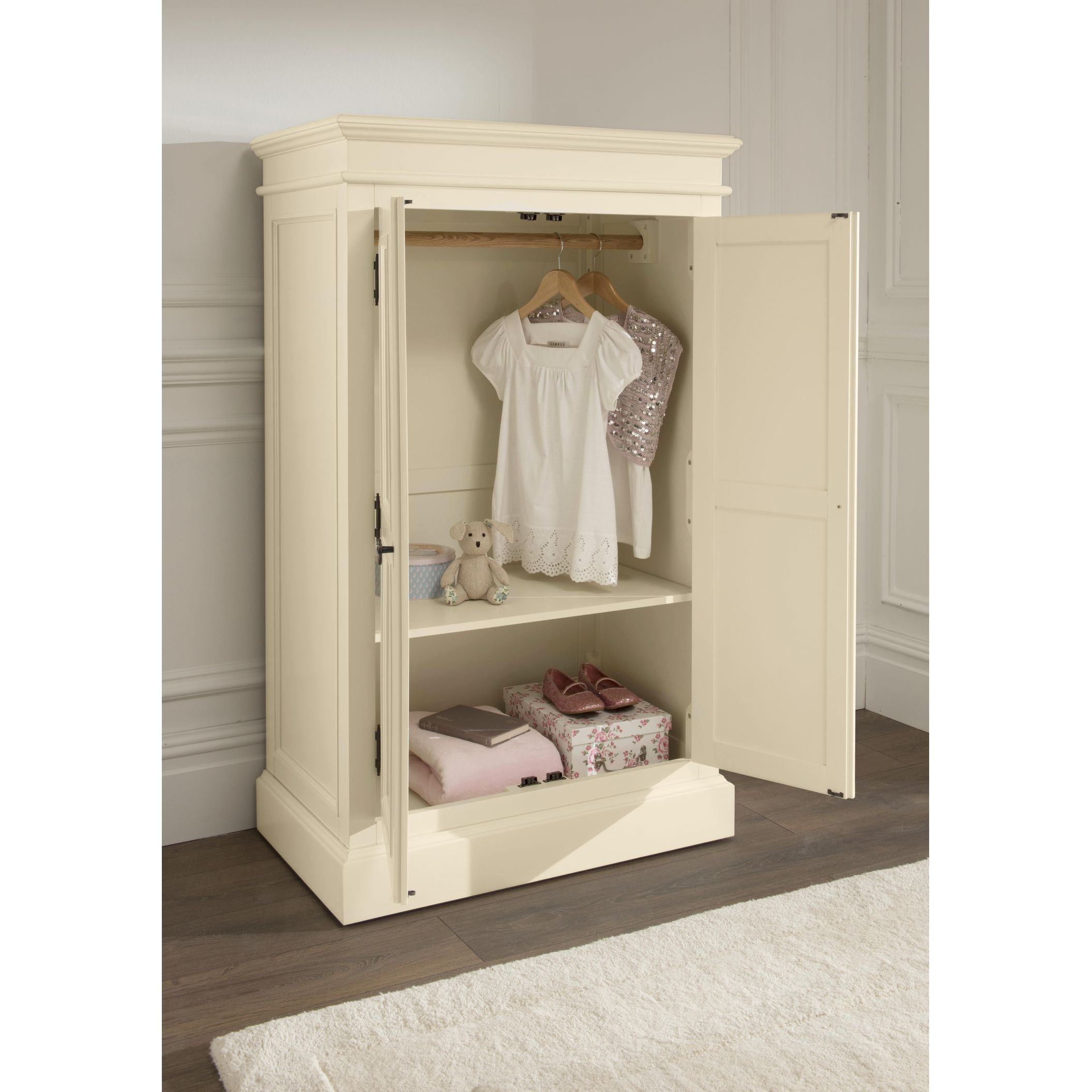 Small Wardrobes for a Smart Collection of Clothes and Perfumes