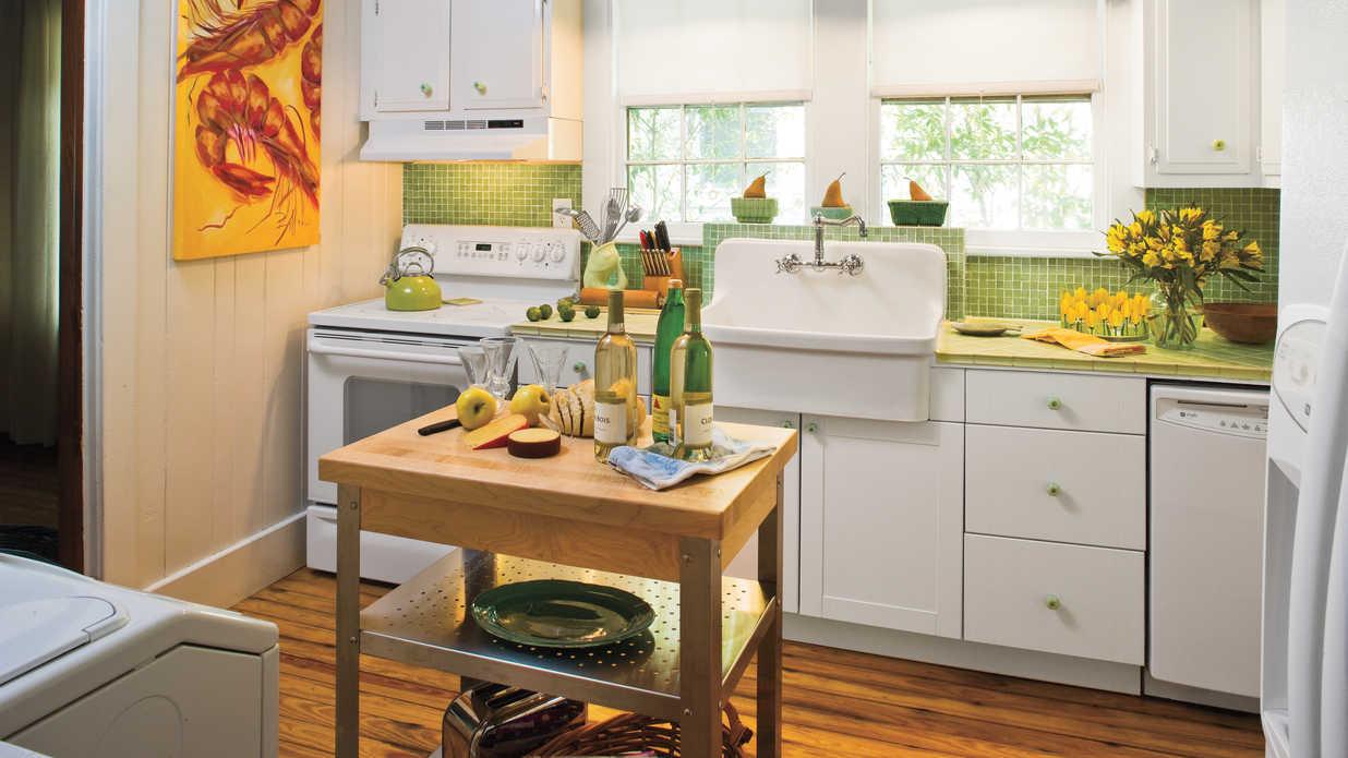 stylish vintage kitchen ideas - southern living CAEXTVF
